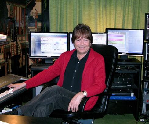 Dr. Arnd Stein im Tonstudio